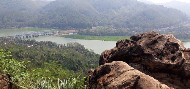 Wisata Bukit Watu Meja, Kebasen, Banyumas