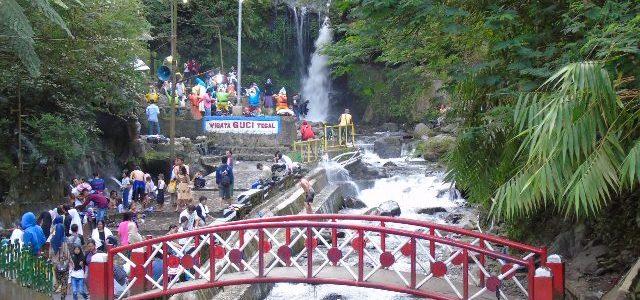 Asiknya wisata air panas Guci, Tegal-Jawa Tengah